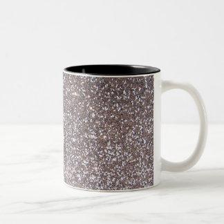 Falso gráfico de plata del brillo taza