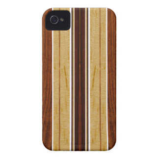 Falso Koa iPhone de madera de la tabla hawaiana de Carcasa Para iPhone 4 De Case-Mate