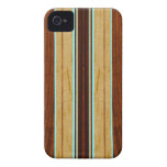 Falso Koa iPhone de madera de la tabla hawaiana de iPhone 4 Case-Mate Funda
