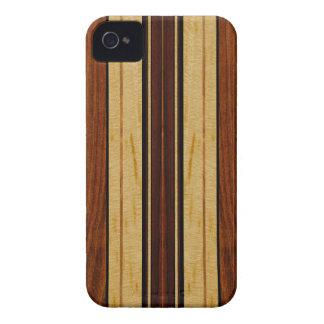 Falso Koa iPhone de madera de la tabla hawaiana de iPhone 4 Case-Mate Coberturas