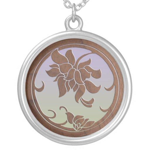 Falso medallón floral de madera