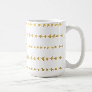 Falso modelo blanco de las flechas de la hoja de taza