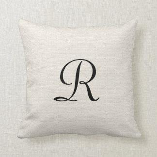 "Falso monograma texturizado 16"" de la arpillera almohada"