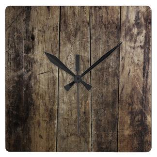 Falso reloj de madera