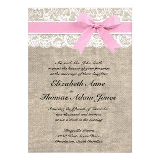 Falso rosa rústico de la invitación del boda de la