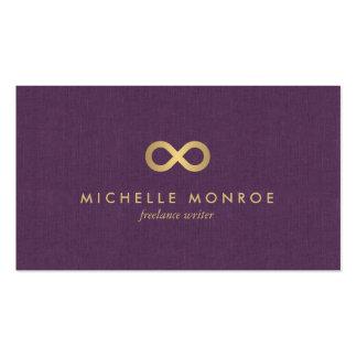 Falso símbolo elegante del infinito del oro en el tarjetas de visita