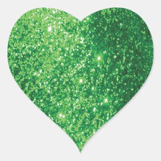 Falso verde reluciente pegatina en forma de corazón