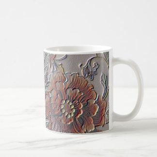 Falso vintage grabado en relieve floral taza