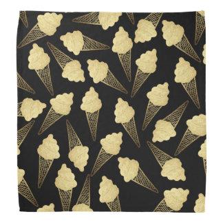 Falsos conos de helado de la hoja de oro en negro bandanas