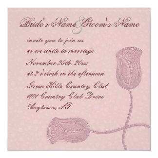 Falsos rosas grabados en relieve florales rosados invitación 13,3 cm x 13,3cm