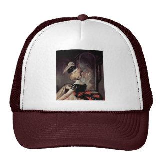 Falstaff en los detalles de la cesta de lavadero d gorras