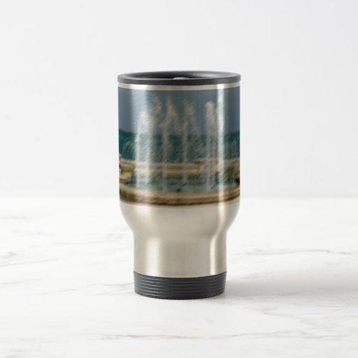 Falta de definición coralina del bosquejo del agua tazas de café