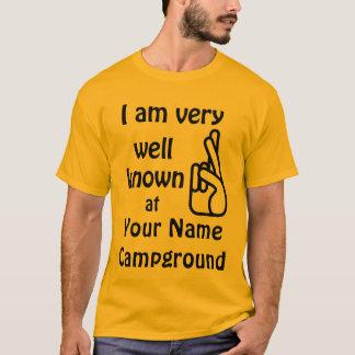 Fama divertida bien conocida en la camiseta del
