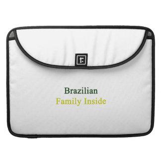 Familia brasileña dentro funda para macbooks