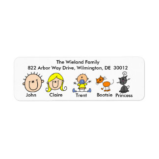 Familia con dos etiquetas de dirección de los gato