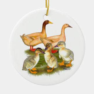 Familia de color de ante del pato de Orpington Ornamente De Reyes
