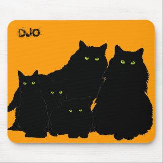 Familia de gato negro tapete de ratón