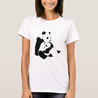 Familia de la panda playera