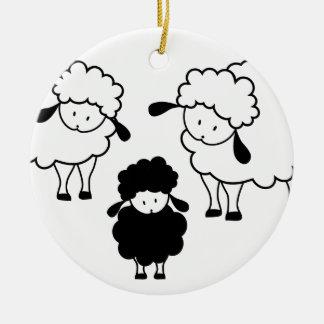 Familia de las ovejas negras ornamento para reyes magos