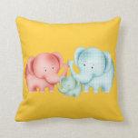 Familia de papá y de bebé de la mamá de los elefan almohadas