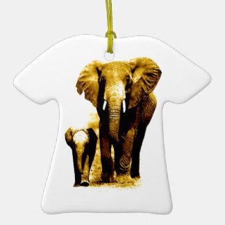 Familia del elefante adorno de cerámica en forma de camiseta