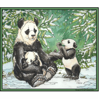 Familia del oso de panda en invierno escultura fotográfica