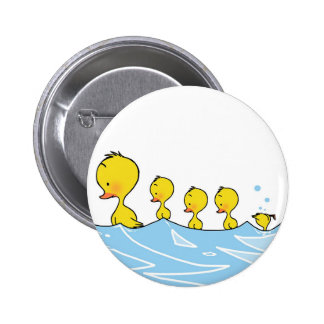 Familia del pato de la natación pin redondo 5 cm
