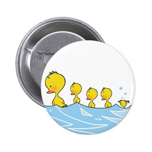 Familia del pato de la natación pin