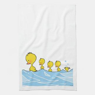 Familia del pato de la natación toallas de cocina