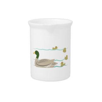 Familia del pato jarras para bebida