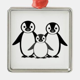 Familia del pingüino adorno navideño cuadrado de metal