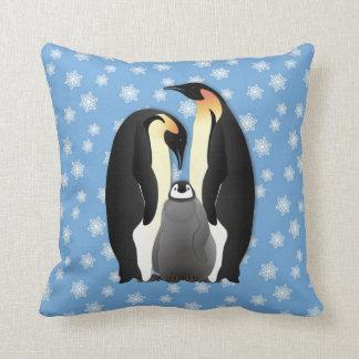 familia del pingüino cojín