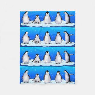 Familia del pingüino manta de forro polar