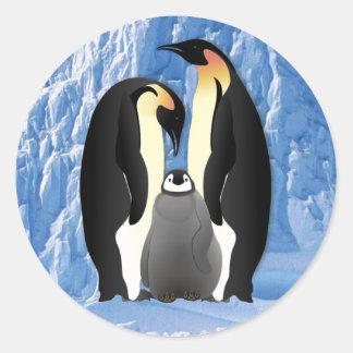 familia del pingüino pegatina redonda