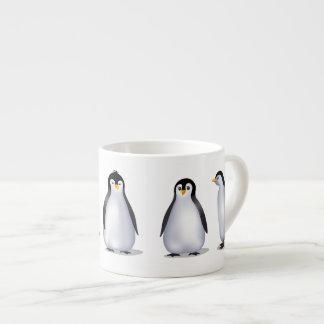 Familia del pingüino taza de espresso