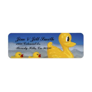 Familia Ducky de goma en sistema del baño Etiquetas De Remite