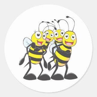 Familia feliz de la abeja pegatinas redondas
