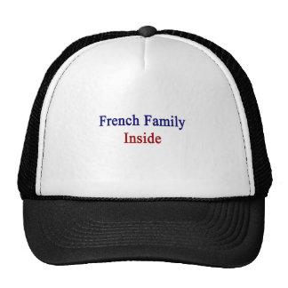 Familia francesa dentro gorro