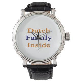 Familia holandesa dentro reloj de mano