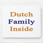 Familia holandesa dentro tapete de raton