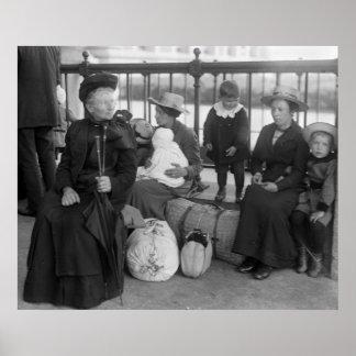 Familia holandesa en la isla de Ellis, 1900s tempr Póster