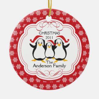 Familia linda de los pingüinos de ornamento de 3 ornamento de navidad