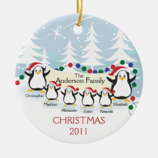 Familia linda de los pingüinos de ornamento de 6 ornamento de reyes magos