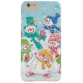 Familia linda del muñeco de nieve del navidad en funda de iPhone 6 plus barely there