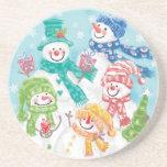 Familia linda del muñeco de nieve del navidad en l