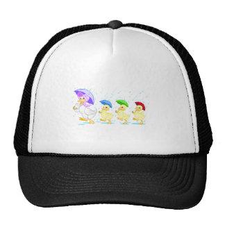 Familia linda del pato en lluvia gorros bordados