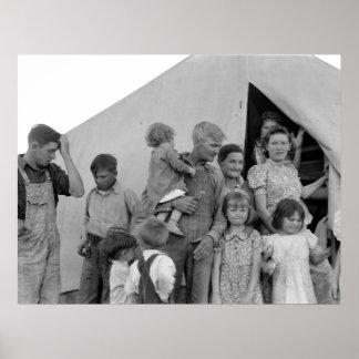 Familia migratoria durante cosecha del guisante -- póster