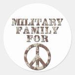 Familia militar para la paz pegatina redonda