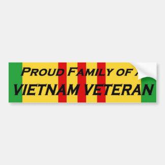 Familia orgullosa de un veterano de Vietnam Etiqueta De Parachoque