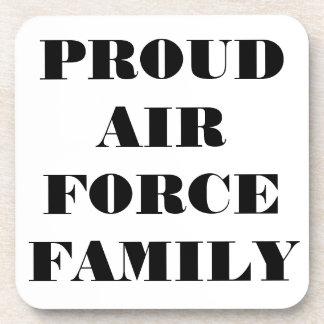 Familia orgullosa determinada de la fuerza aérea d posavasos de bebidas